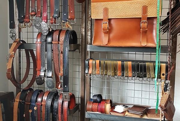 ceintures, porte-feuilles, valises, cartables ...
