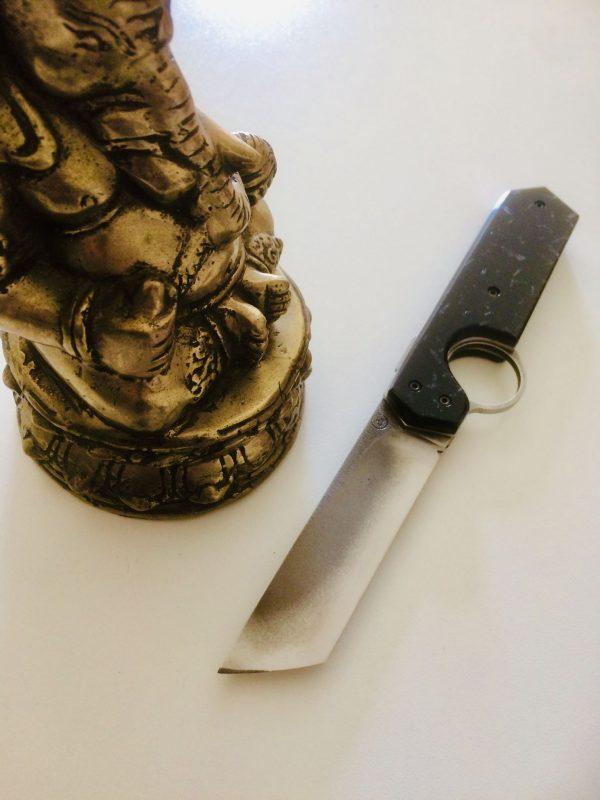 couteau résiliant acétate